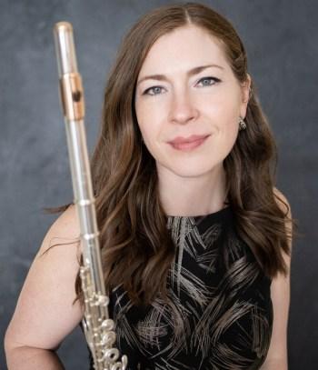 La flûtiste Amelia Lukas donnera un récital virtuel suivi d'une table ronde le lundi 1er mars.