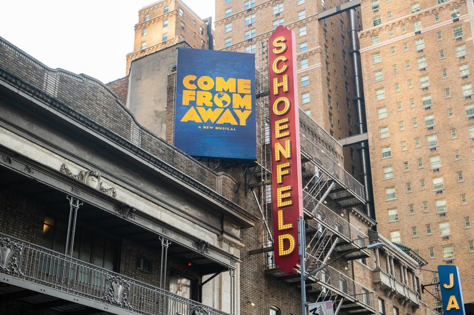″ Come From Away ″ célèbre 1000 représentations à Broadway